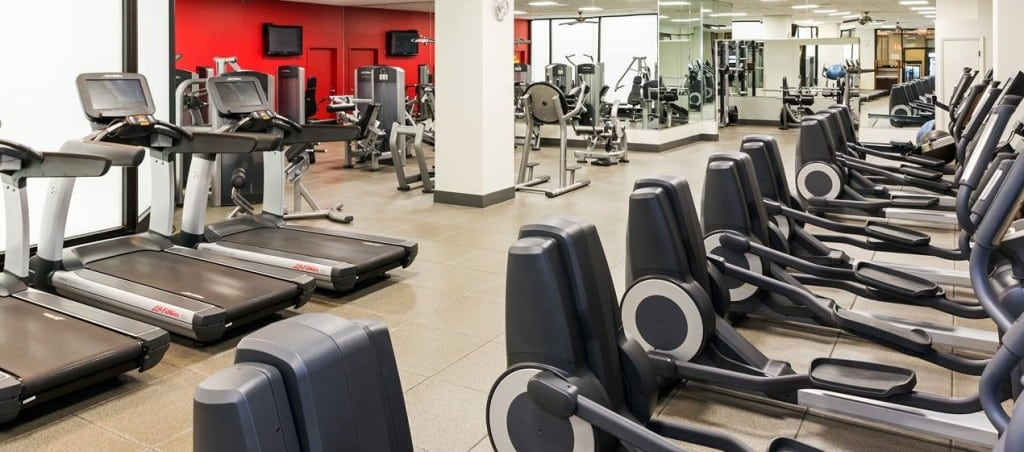 fit travel tips airport gyms business travel life 1