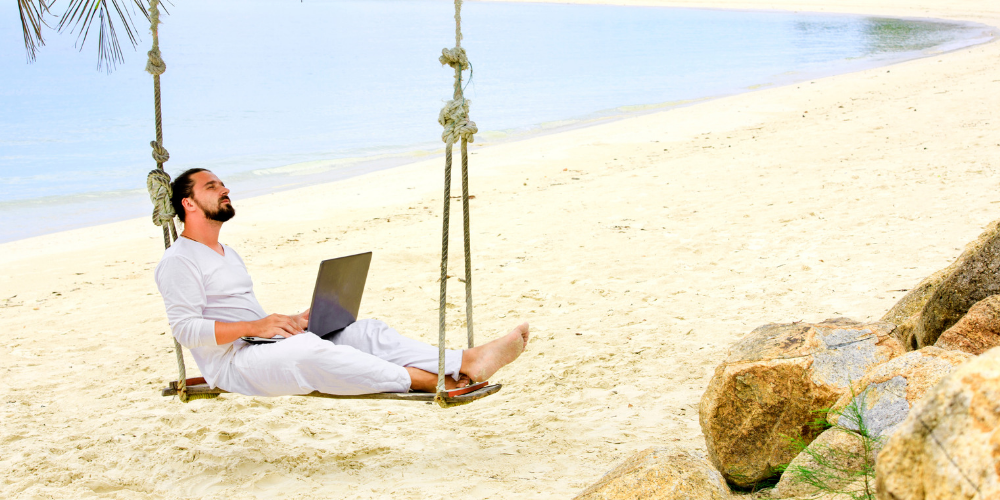 five-travel-accessories-to-work-remotely